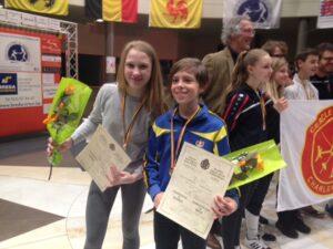 Marie wint goud, Jurre brons bij de miniemen! Foto: Liesbet Coysman.