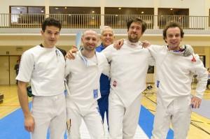 5 degentoppers op een rij! Vlnr: Sander Warreyn, Robrecht Van Cleemput, trainer Marcel Van Laecke, Evert Bleus en Bert De Mets. Foto: Luc Gevaert.